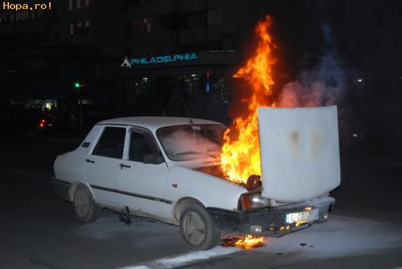 Auto Moto - Dacia in flacari