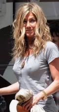 Celebritati - Jennifer Aniston ravasita