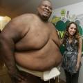 Celebritati - Un luptator de sumo şi Miley Cyrus