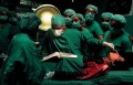 Celebritati - Michael pe masa de operatie