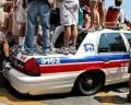 Auto Moto - Distractie pe masina de politie