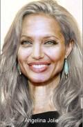 Celebritati - Angelina Jolie la batranete