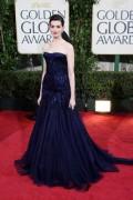 Celebritati - Golden Globes 2009 - Anne Hatthaway