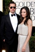 Celebritati - Golden Globes 2009 - Brad Pitt si Angelina Jolie