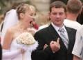 Diverse - Miri plictisiti de nunta lor
