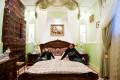 Din Romania - Un dormitor imens