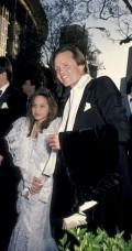 Celebritati - Angelina Jolie impreuna cu tatal ei