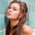 Celebritati - Seamana cu Carmen Electra si Angelina Jolie